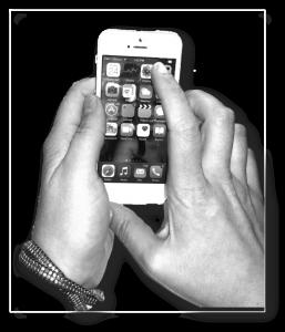 HandsPhone2